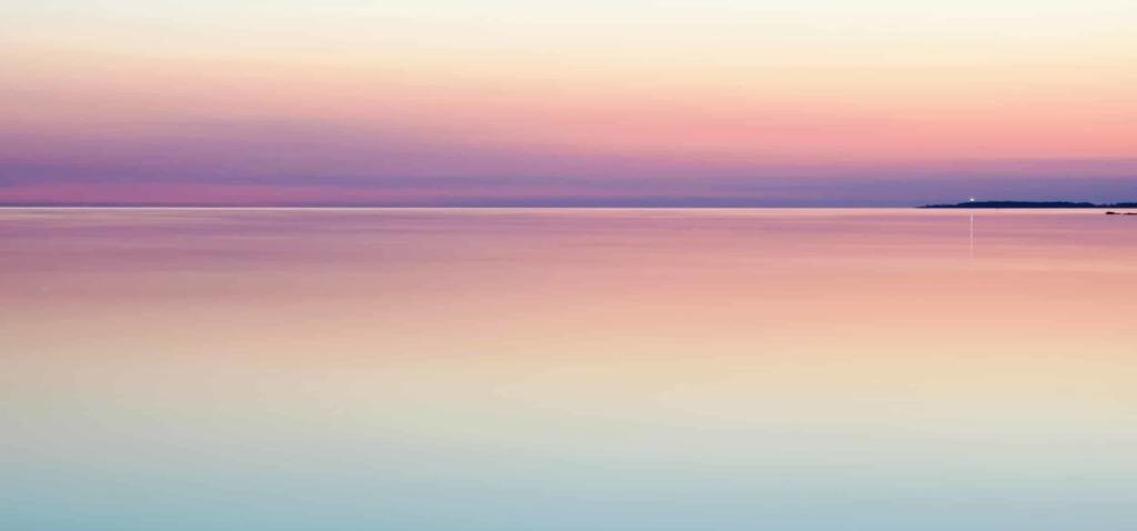 Dégradé de couleurs du ciel symbolisant les étapes d'accès à l'hypnose profonde