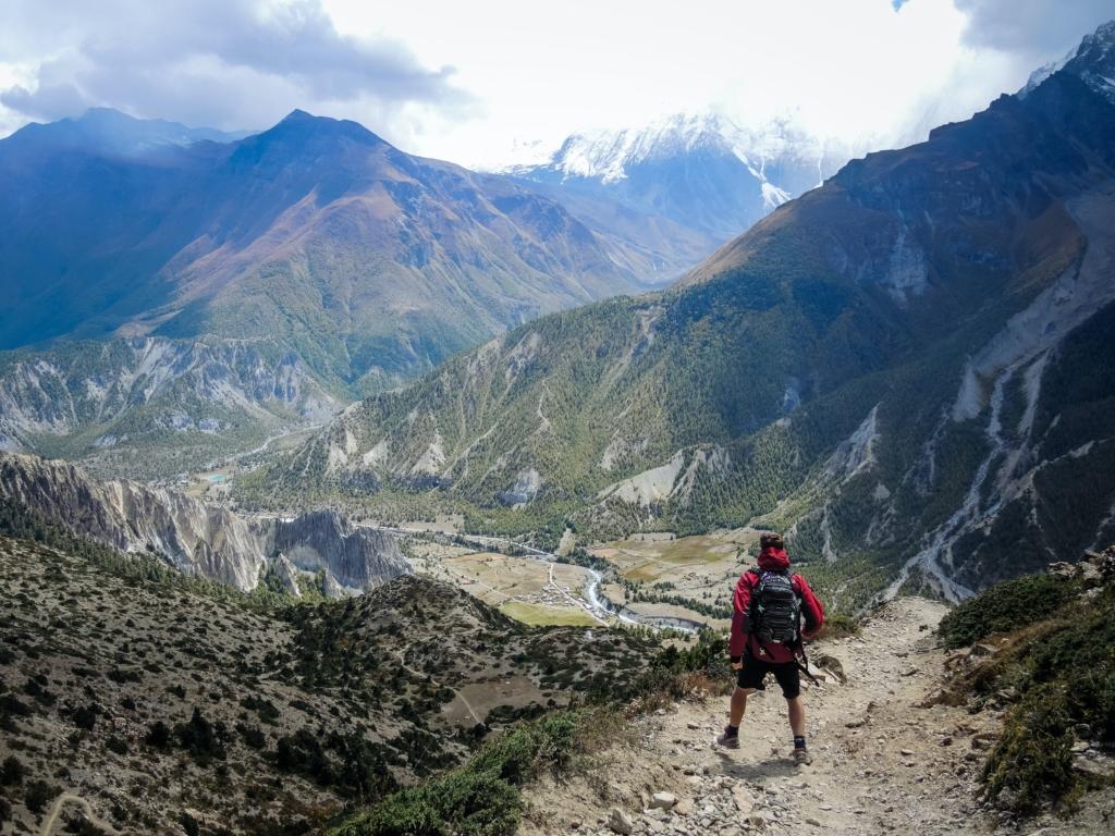 Traileur devant un parcours de course montagne